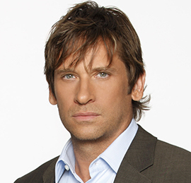 Roger Howarth Wiki, Married, Wife, Girlfriend or Gay and Net Worth