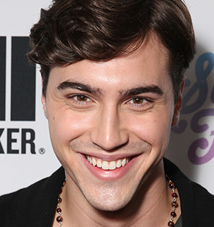 Ryan McCartan Wiki, Girlfriend, Dating or Gay and Net Worth