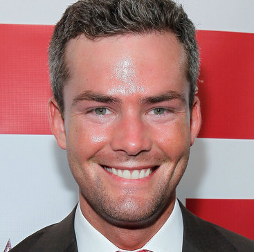 Ryan Serhant Wiki, Married or Girlfriend, Dating and Net Worth