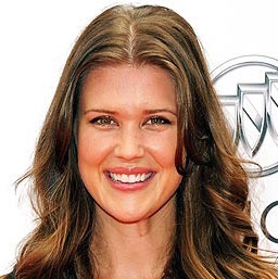 Sarah Lancaster Wiki, Married, Husband, Pregnant and Net Worth