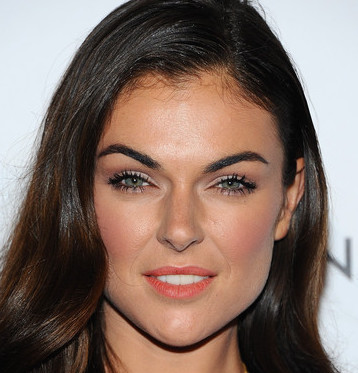 serinda swan dating terrell owens