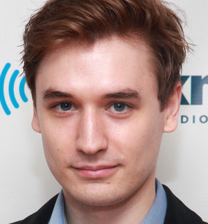 Seth Numrich Wiki, Bio, Girlfriend, Dating or Gay