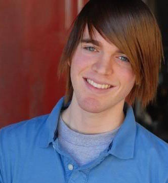 Shane Dawson Girlfriend, Dating or Gay, Shirtless and Net Worth
