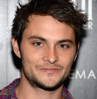 Shiloh Fernandez Wiki, Girlfriend, Dating or Gay, Shirtless