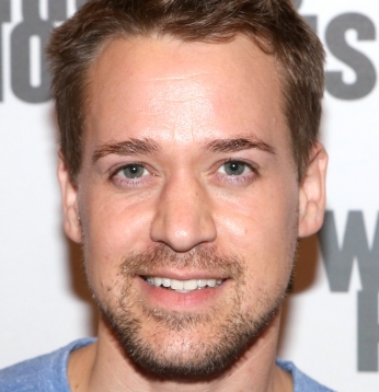 T. R. Knight Wiki, Married, Wife, Girlfriend or Gay
