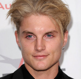 Toby Hemingway Wiki, Bio, Girlfriend, Dating or Married