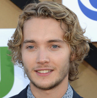 Toby Regbo Wiki, Girlfriend, Dating or Gay