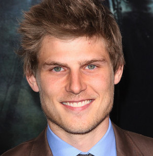 Travis Van Winkle Wiki, Girlfriend, Dating or Gay/Shirtless and Net Worth