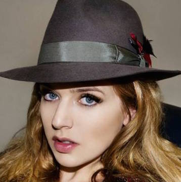 ZZ Ward Wiki, Bio, Height, Boyfriend and Dating