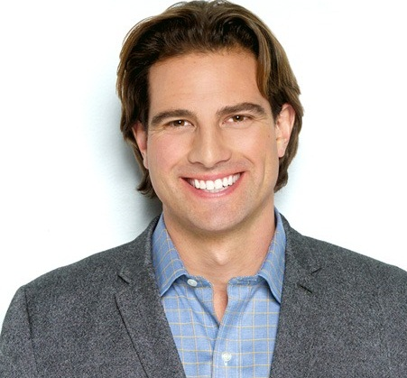 Scott McGillivray Married, Wife, Divorce, Girlfriend and Net Worth